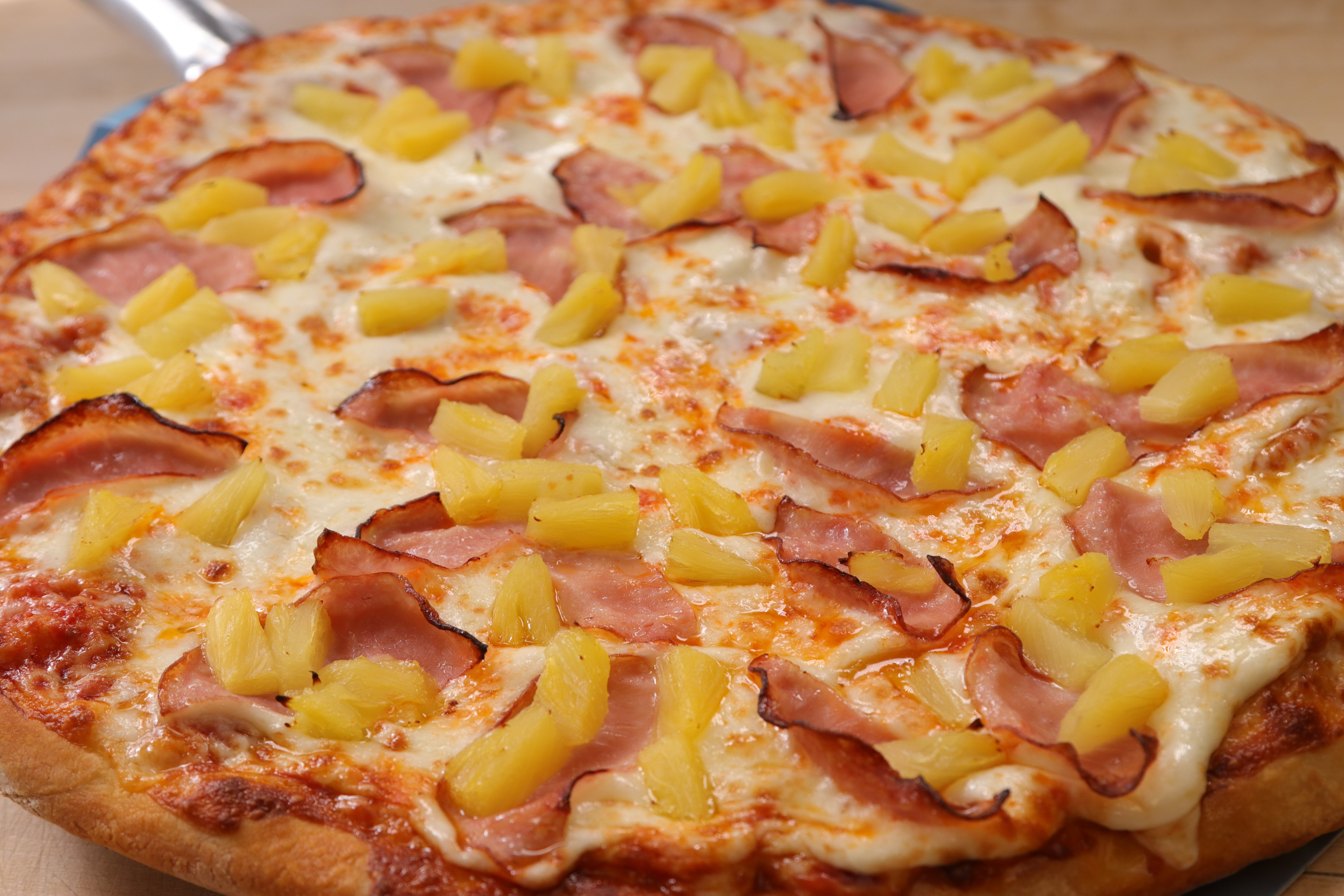 Hawaiian Delight Pizza from Ameci Pizza & Pasta - Lake Forest in Lake Forest, CA