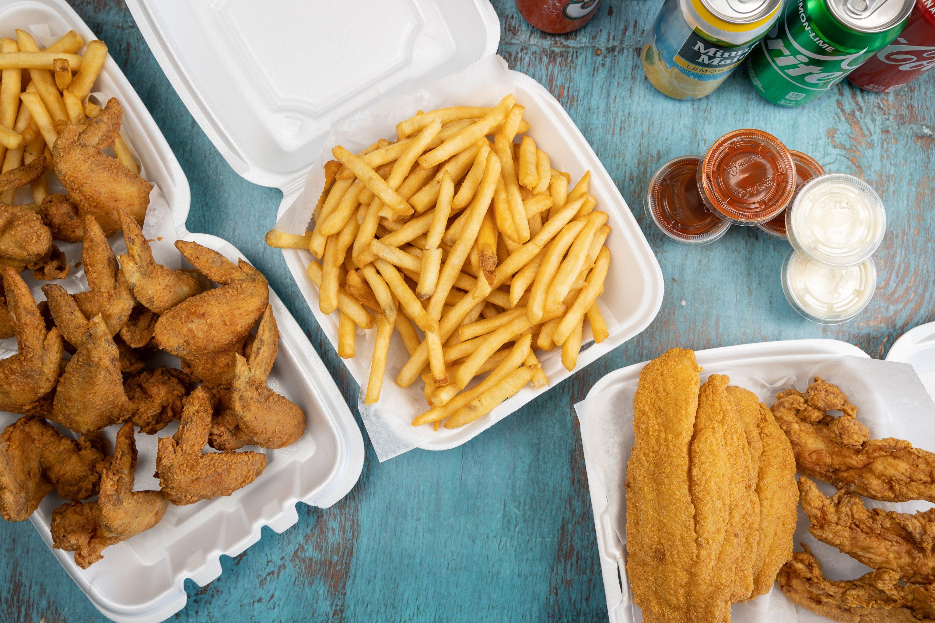 Sharks Fish and Chicken in DeKalb - Highlight