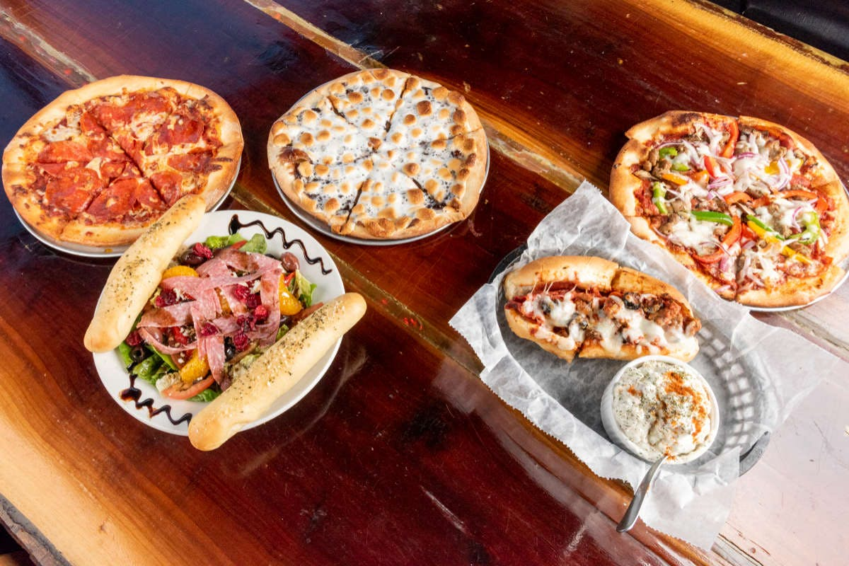 Coops Pizzeria in Salina - Highlight