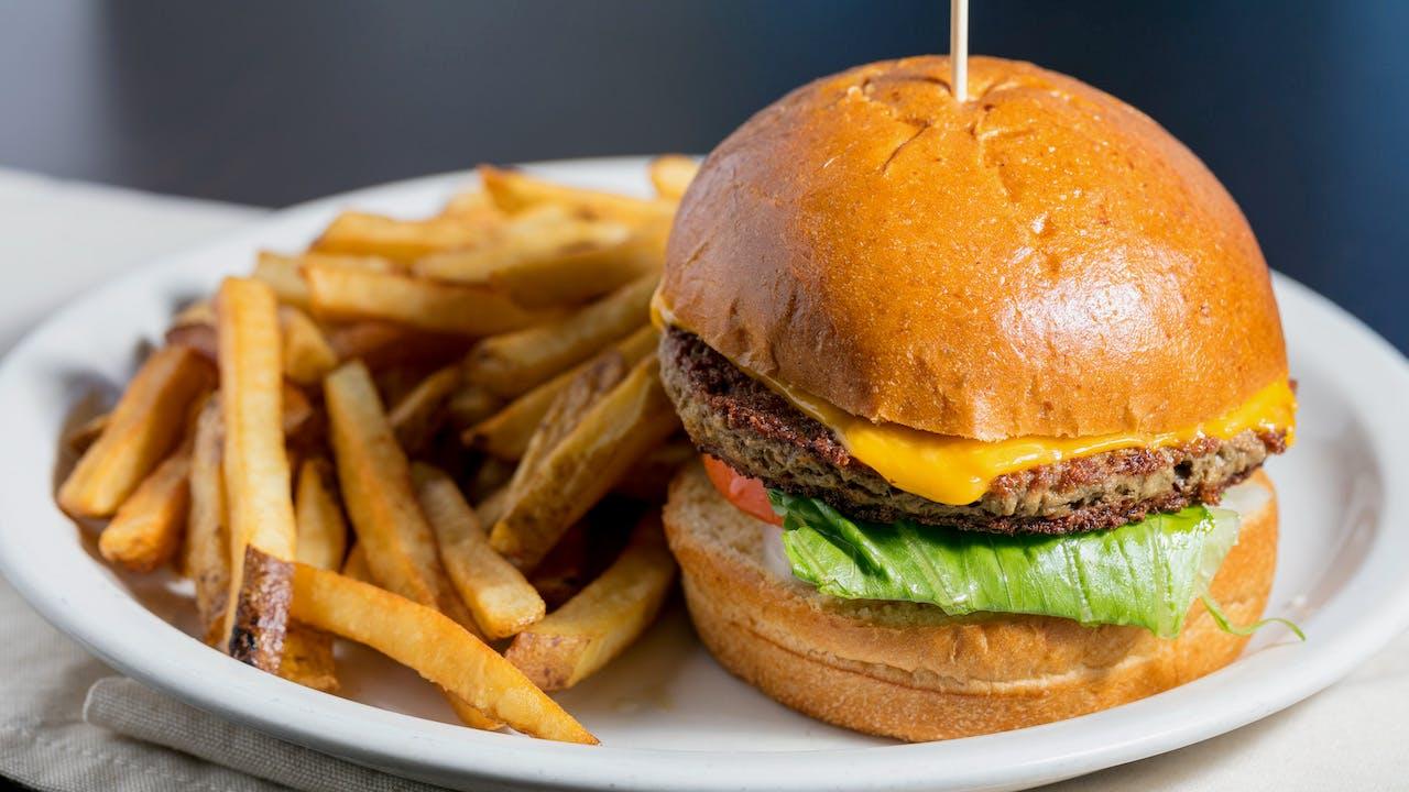 Huddle Restaurant in DeKalb - Highlight